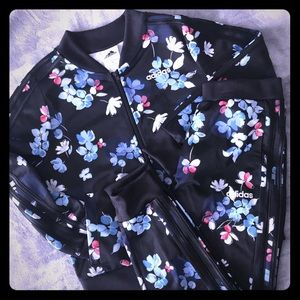 Girls Adidas Track Suit Black w/Floral   10/12